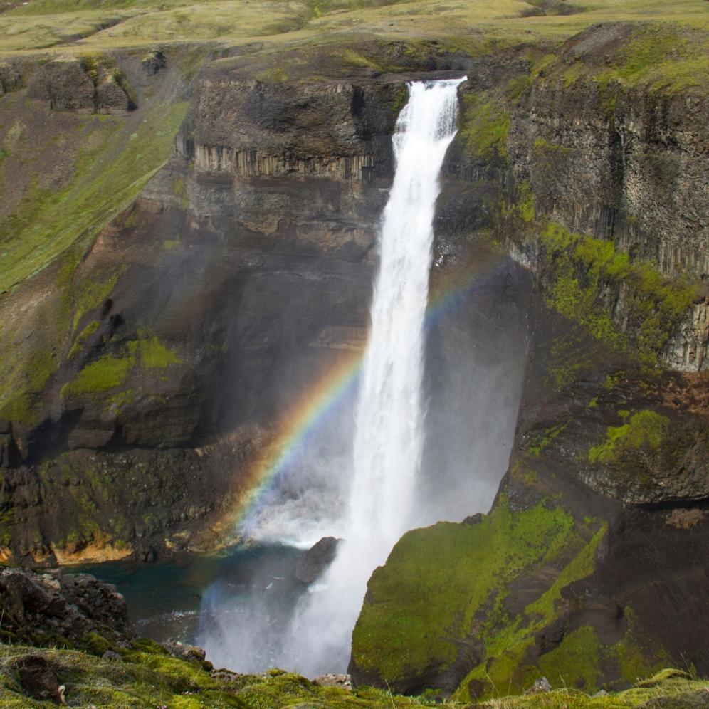 Háifoss waterfall, Iceland / Catarata Háifoss, Islandia
